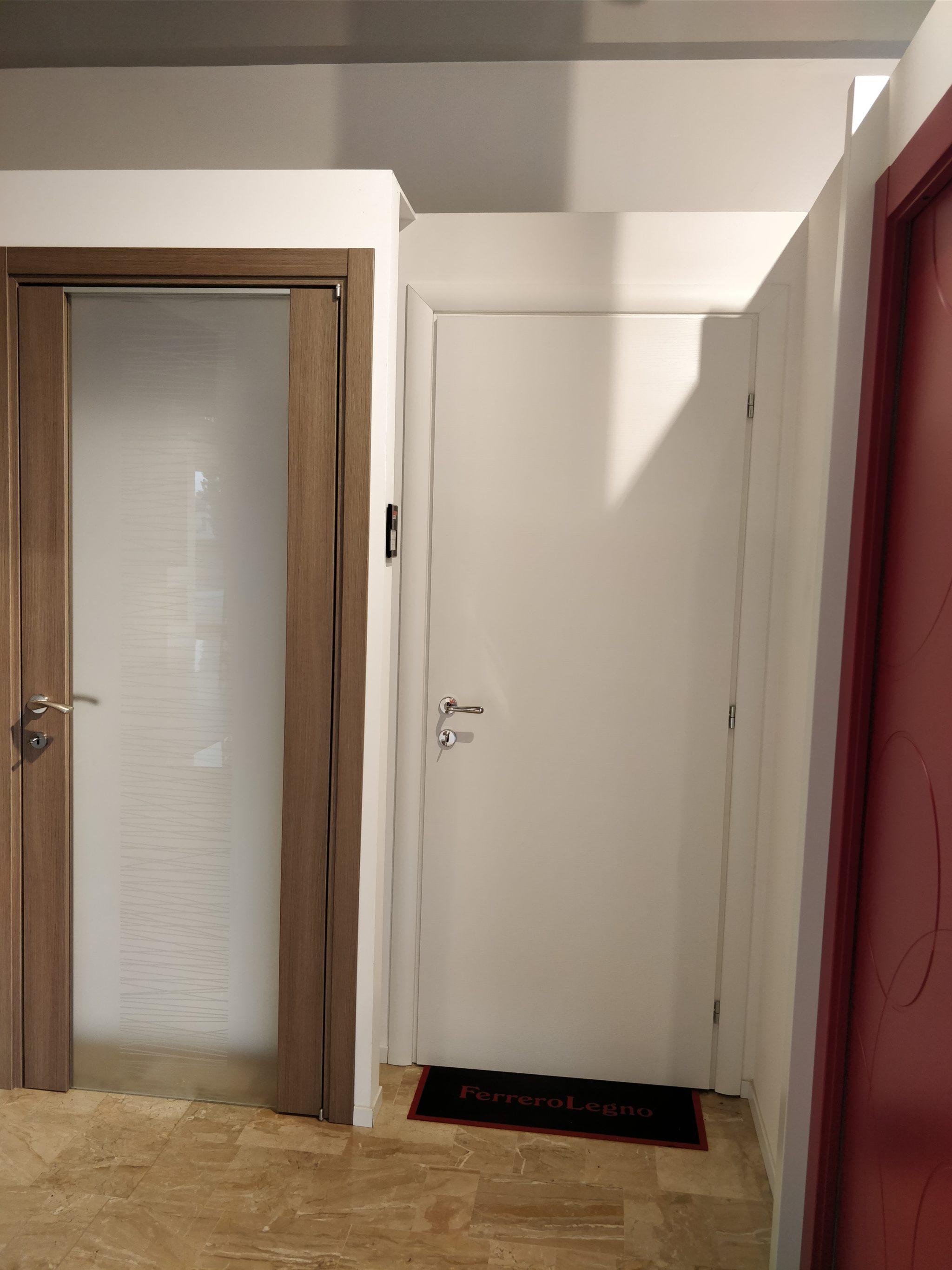 porte intene ferrero legno Tende & Serramenti