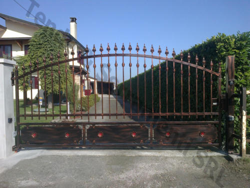 cancello_ferro_rustico